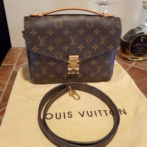 🌸 💕 Louis vuitton pochette metis